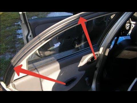 Где в Хонда Шаттл датчик открывания двери