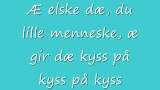 "getlinkyoutube.com-Malin Reitan ""Lille Menneske"" (with lyrics)"