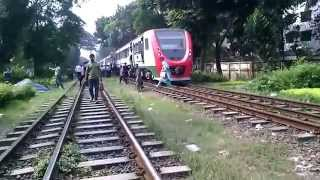 getlinkyoutube.com-Bangladesh Railway Train Compilation near Banany, Dhaka