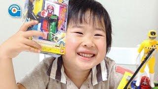 getlinkyoutube.com-トッキュウジャーのミニプラ トッキュウオー【がっちゃん4歳】