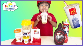 getlinkyoutube.com-McDonald's Shake Maker & McDonald's Cash Register! Kids Pretend Play Food Happy Meal Surprise Toys