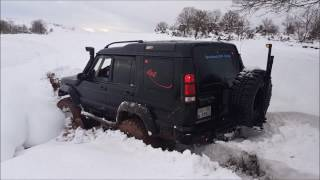 getlinkyoutube.com-Land Rover Discovery TD5   **Snow Offroad Testing**