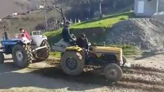 getlinkyoutube.com-Leyland traktör vs Ford traktör  çekişmesi