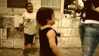 getlinkyoutube.com-طفل يعاكس بنت هتموت على نفسك من كتر الضحك