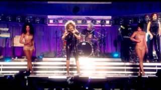 getlinkyoutube.com-Clare Turton Derrico -Tina Turner Live - Typical Male