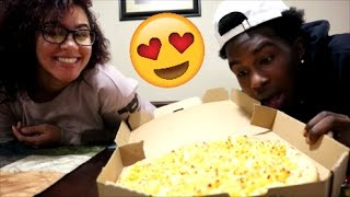 TRYING MAC&CHEESE PIZZA FOR THE FIRST TIME!