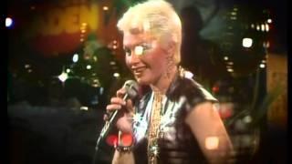getlinkyoutube.com-Alicia Bridges - I Love The Night Life (1978) HD 0815007