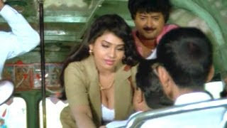 getlinkyoutube.com-Suryavamsam Scenes - Sudhakar And Lux Sundari Comedy In Bus - Venkatesh, Raadhika, Meena