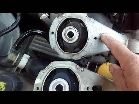Renault Megane 3 Замена верхней опоры двигателя
