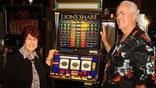 getlinkyoutube.com-Grandparents win $2.4 million from MGM slot machine