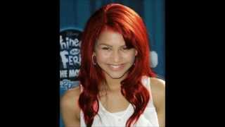 getlinkyoutube.com-Who would look better with red hair? Zendaya / Elizabeth / Selena / Victoria