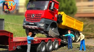 BRUDER TRUCKs LKW broken wheel!  Mercedes Benz Arocs accident!
