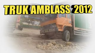 getlinkyoutube.com-Truk Amblas lagi 24.11.2012.