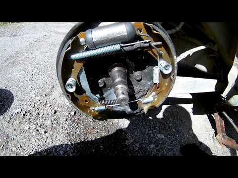 Замена задних тормозных колодок Daewoo Matiz/Replacing the rear brake pads