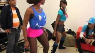 getlinkyoutube.com-Amara La Negra - El Baile del Ayy (Behind The Scenes )
