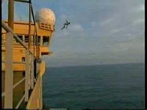 insane high jump of offshore boat robert teriitehau highest jump ever