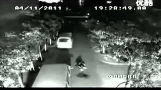 Gempar! Rakaman Video Lelaki Disambar Petir Dua Kali