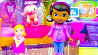 getlinkyoutube.com-Doc McStuffins Toys Smiles & Hugs Bedroom Lambie Susie Sunshine Disney Toy