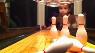 getlinkyoutube.com-Charlie playing mini bowling 2yrs 11mos