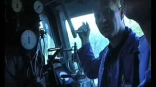 getlinkyoutube.com-Dampflokführer erklärt Dampflok (Reichsbahn) Führerstand Cab Ride