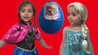getlinkyoutube.com-Frozen Giant Surprise Egg Candy Haul Toys ft. Elsa and Anna And Olaf + Kinder Egg + Frozen Eggs
