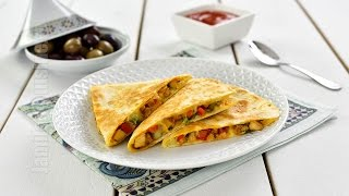 getlinkyoutube.com-Quesadilla cu pui | Chicken Quesadilla (CC Eng Sub) | JamilaCuisine