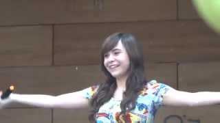 Ilonka Obilinovic cantando en Otakus vs Frikis 2014 (Parte 1)