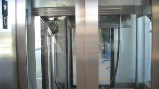 getlinkyoutube.com-Two Schindler Hydraulic Elevators at Bridgeport Station