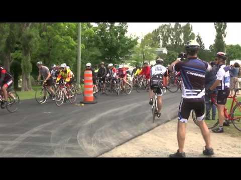 700 cyclistes pédalent le Tour de l'île d'Orléans