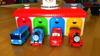 getlinkyoutube.com-Thomas and Friends Toy Trains, Disney Cars Toys McQueen at Tayo the Little Bus Garage Egg Surprise