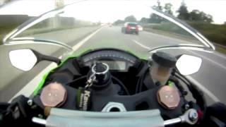 getlinkyoutube.com-Perua ultrapassando Moto a mais de 300km/h
