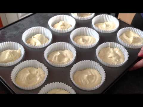 Baking and decorating cupcakes [recipe in the description box below]