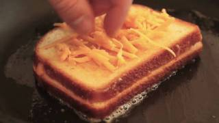 Inside-Out Grilled Cheese Sandwich - Ultimate Cheese Sandwich width=