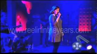 "getlinkyoutube.com-Adele ""Chasing Pavements"" Live 2007 (Reelin' In The Years Archives)"