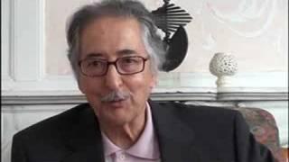 getlinkyoutube.com-سوال = آقای بنی صدر:آیا شما با لباس زنانه از ایران فرارکردید؟