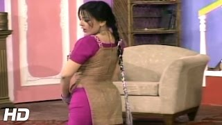 NADIA ALI HOT PAKISTANI MUJRA DANCE