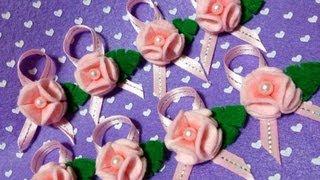 getlinkyoutube.com-Como fazer Florzinhas em feltro !!!  (- Felt Flower Tutorial ...)