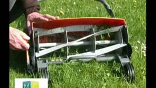 getlinkyoutube.com-Vidéo tondeuse écolo  Fiskars, green lawnmower video