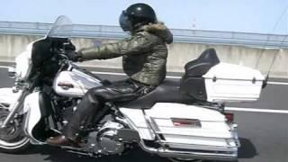 getlinkyoutube.com-HARLEY FXSTからFLHTCUへ!!レディースバイカーの転身♪