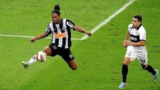 getlinkyoutube.com-Ronaldinho ● Craziest Skills Ever |HD