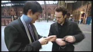 getlinkyoutube.com-Derren Brown Pickpocket