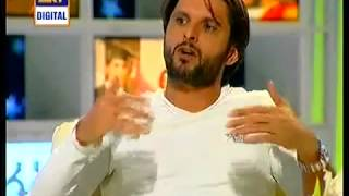 getlinkyoutube.com-Shahid Afridi talking about his mother in Arial MAA