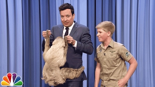 getlinkyoutube.com-Robert Irwin and Jimmy Cuddle a Sloth