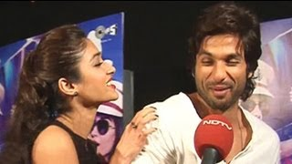 getlinkyoutube.com-Ileana demonstrates how female fans swarm around Shahid