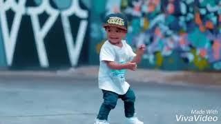 Anak Kecil Joget
