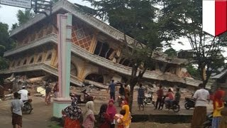 getlinkyoutube.com-Indonesia earthquake: Nearly 100 dead, hundreds more injured as quake strikes Sumatra - TomoNews