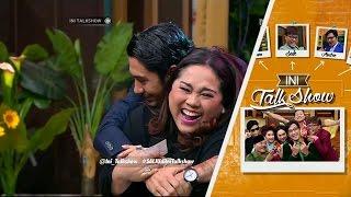 getlinkyoutube.com-Nunung Dapat Pelukan dari Reza Rahadian - Ini Talk Show 26 Januari 2016
