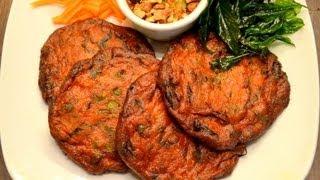 getlinkyoutube.com-How To Make Thai Fish Cakes ทอดมันปลาสุดแสนอร่อย