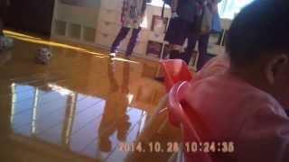 getlinkyoutube.com-りんどう保育園 乳児の椅子