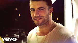 getlinkyoutube.com-Sam Hunt - Leave The Night On